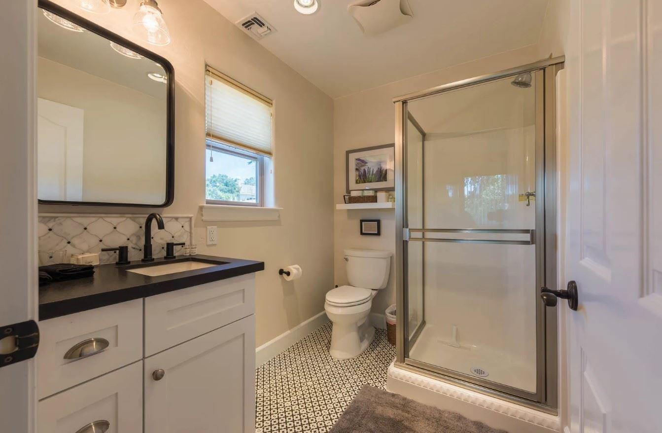 Hilltop Hacienda - Interior - Bathroom with black and white decor