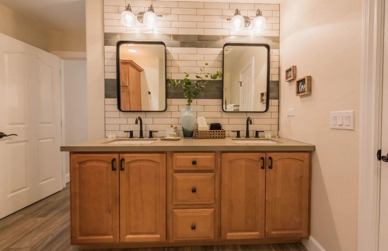 Hilltop Hacienda - Interior - Bathroom with dual sink