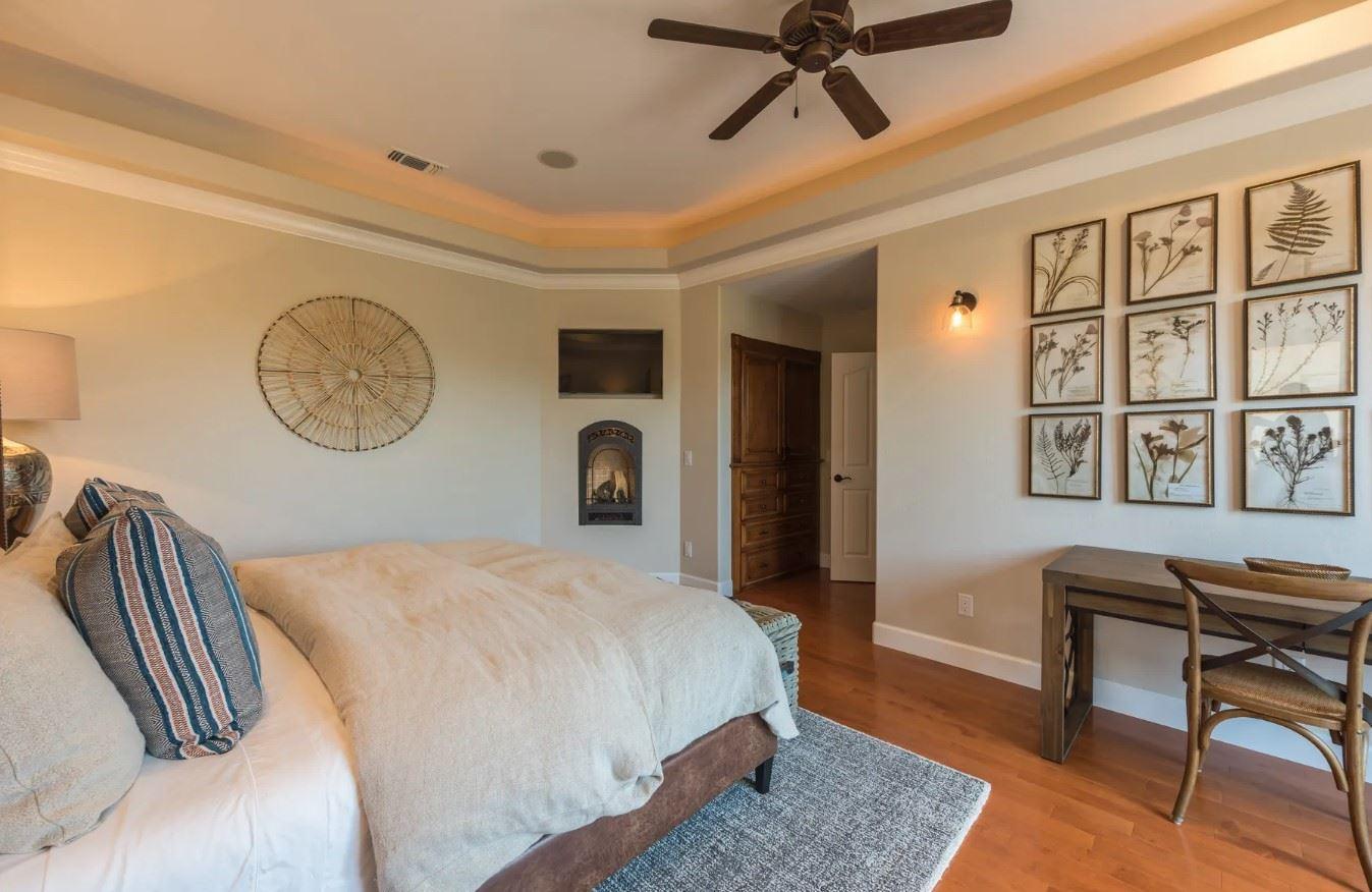 Hilltop Hacienda - Interior - Bedroom with Desk