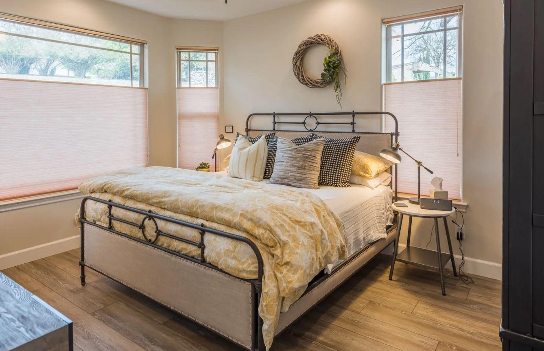 Hilltop Hacienda - Interior - Bedroom with light linens