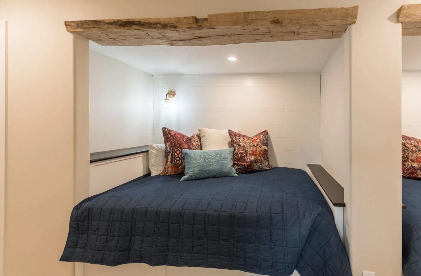 Hilltop Hacienda - Interior - Inset Bed