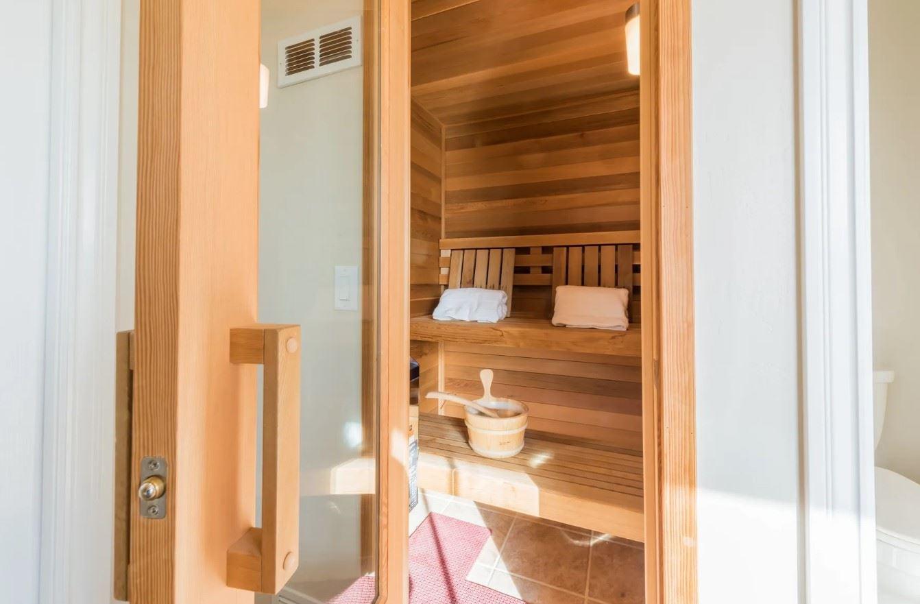 Hilltop Hacienda - Interior - Private Sauna