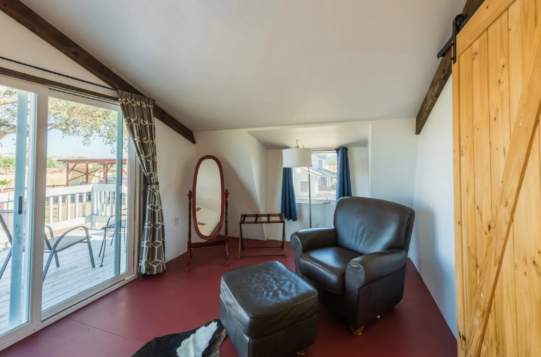 Rancho Da Hamilton - Loft bedroom sitting area