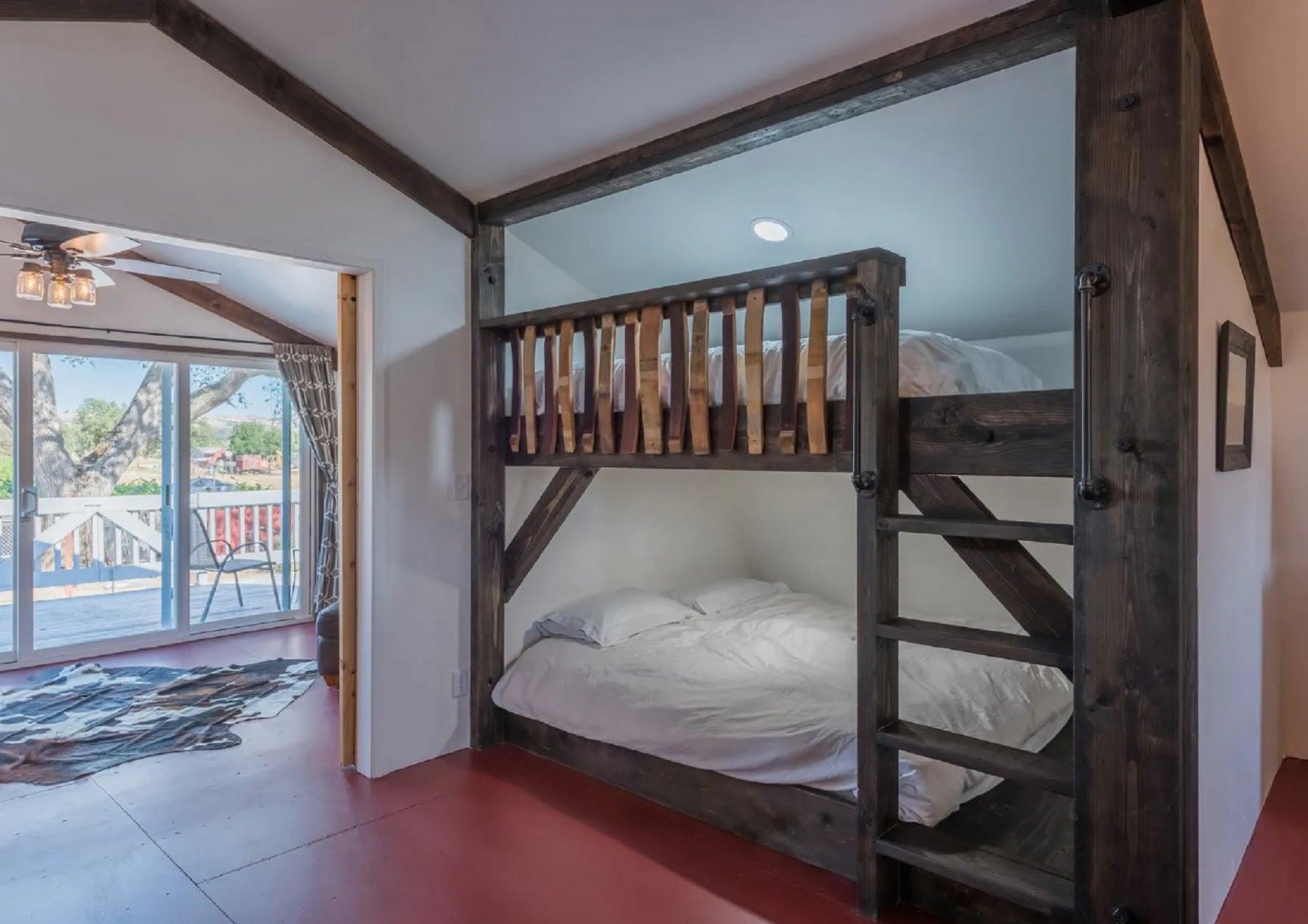 Rancho Da Hamilton - Loft bunk beds