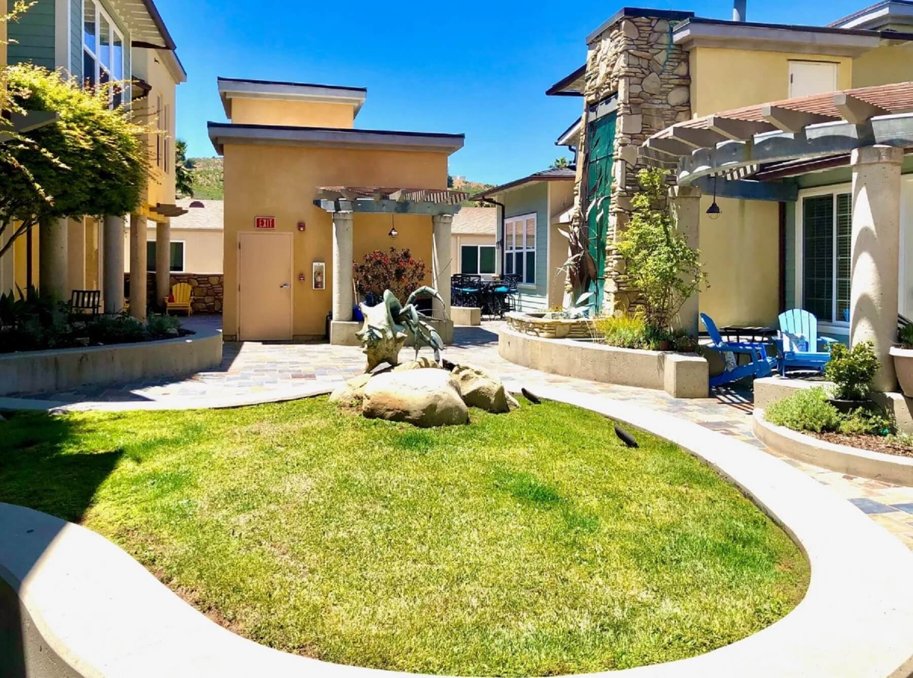 Avila Beach Retreat - Exterior - Yard and Entrance