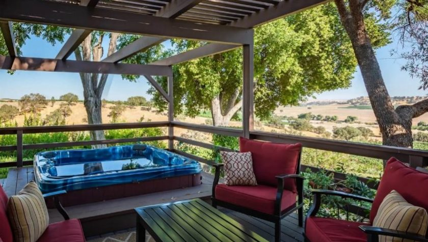 Casa-de-Vina-Porch-with-Hot-Tub-and-Seating-Area