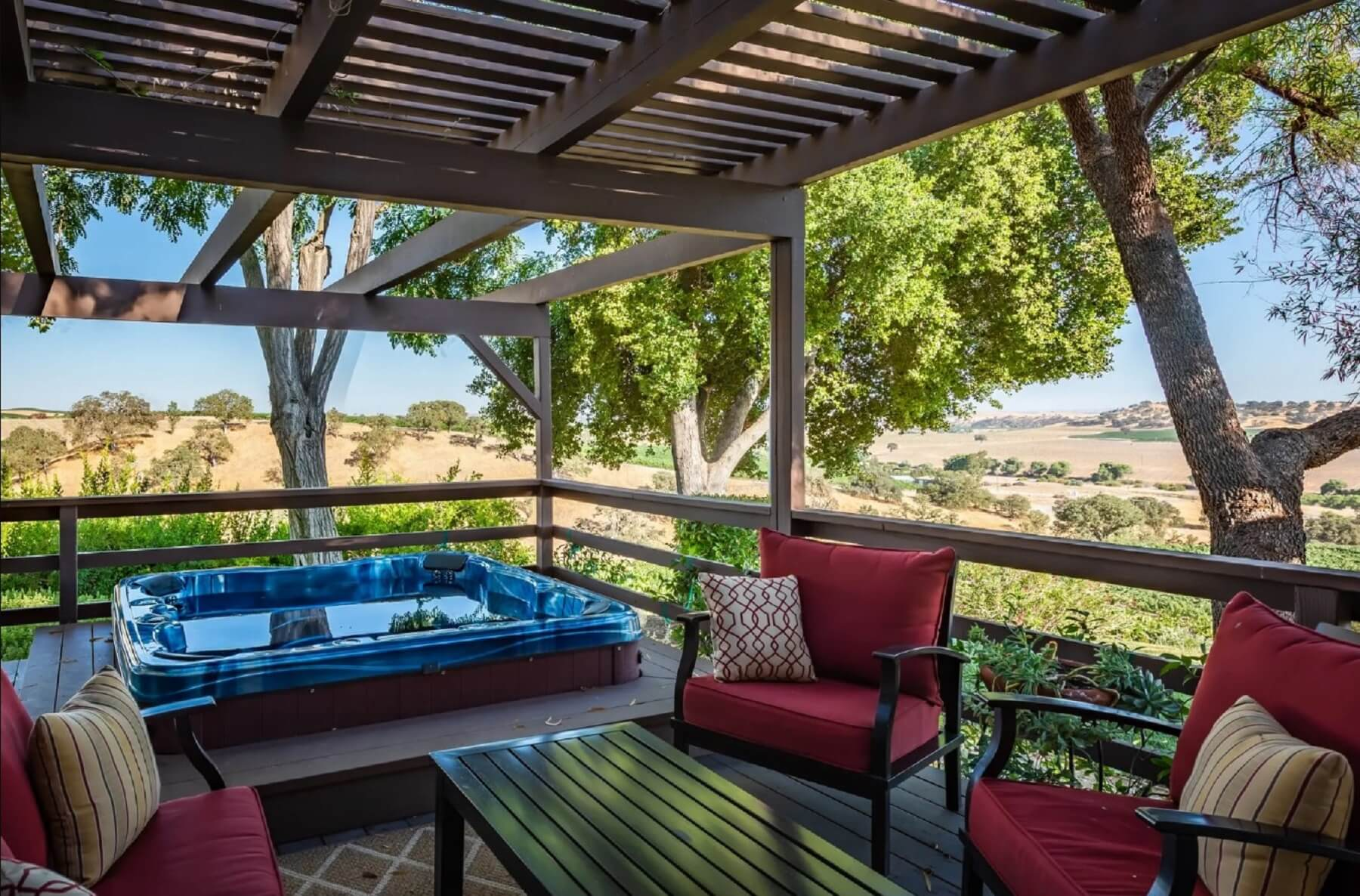 Casa de Vina - Porch with Hot Tub and Seating Area