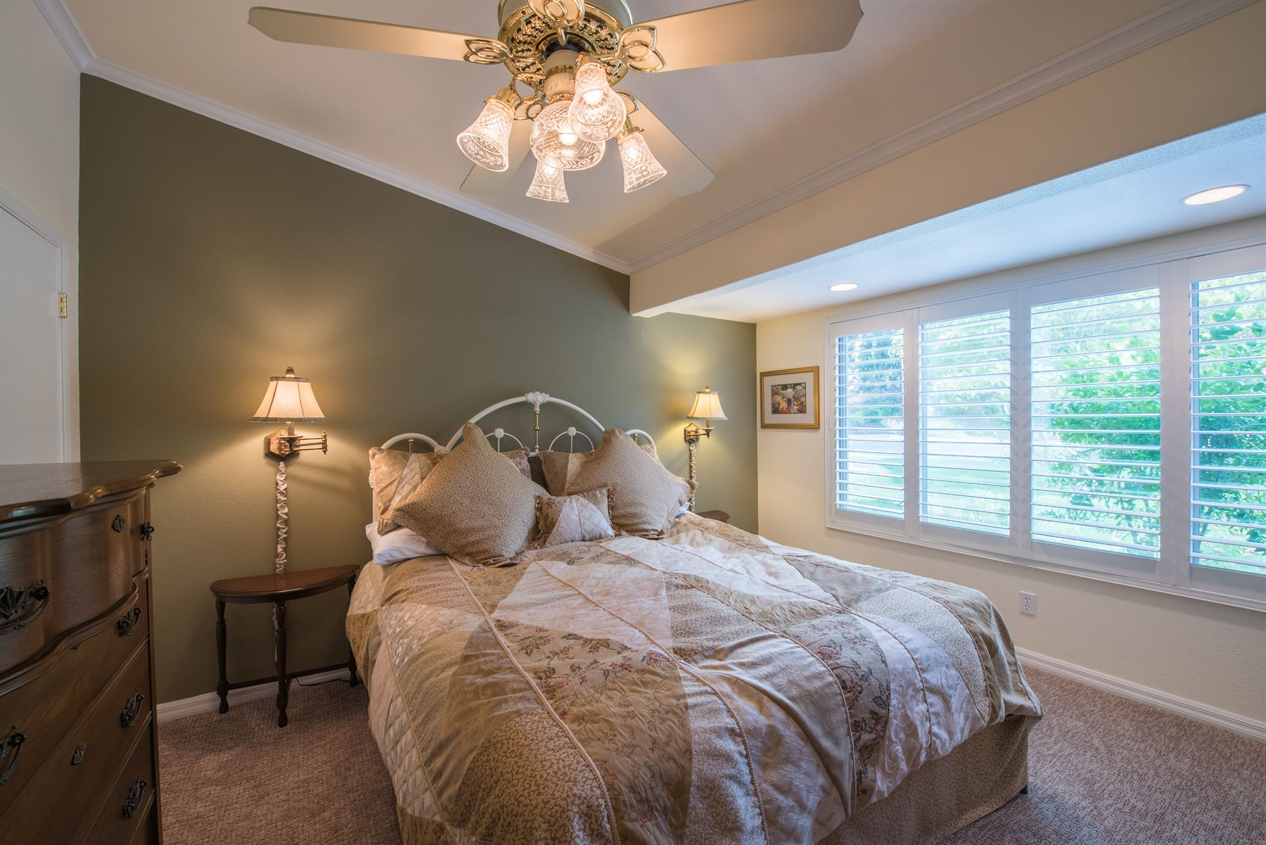 Golfer's Getaway - Interior - Bedroom with checkered tan and peach linens