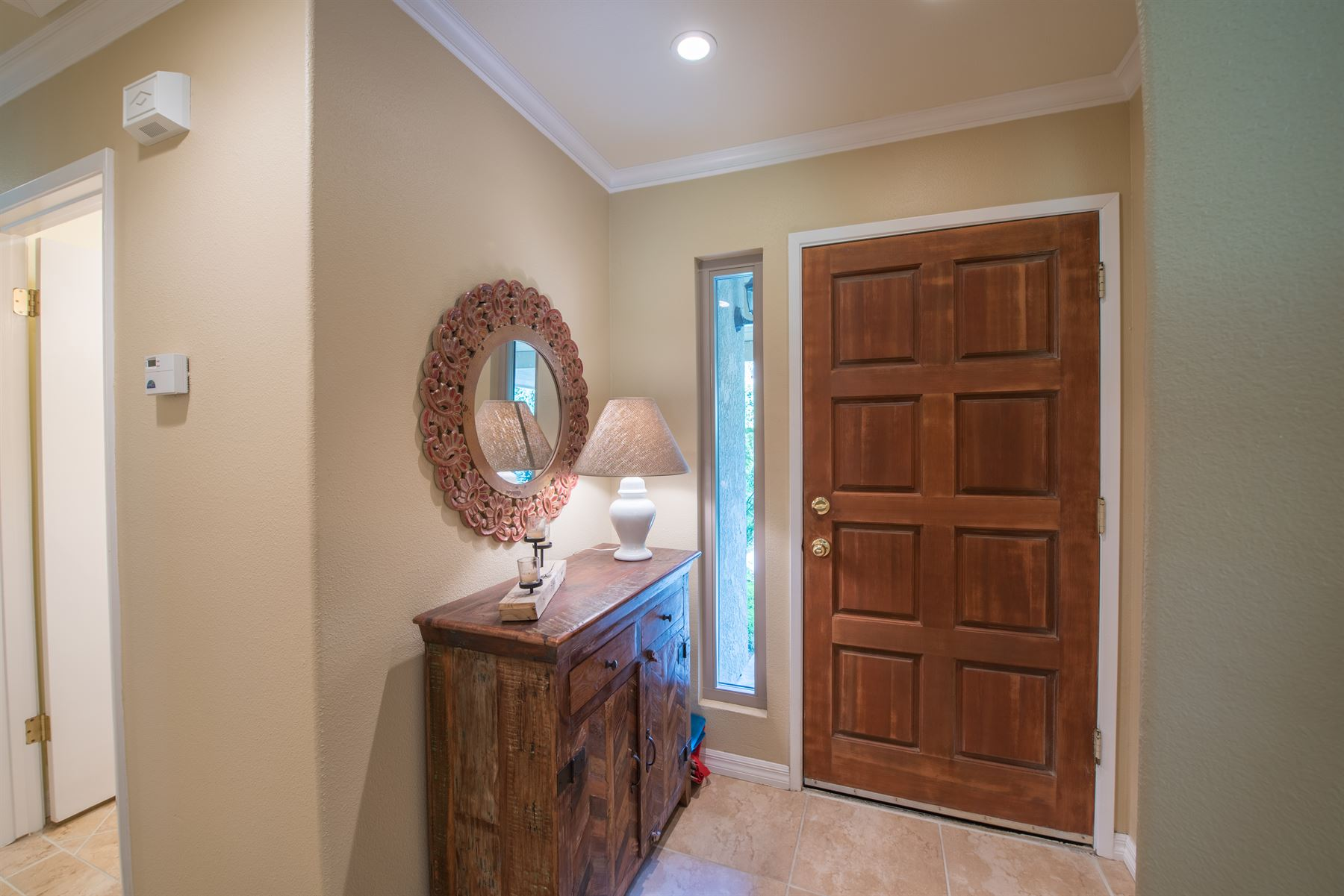 Golfer's Getaway - Interior - View of front door and entryway