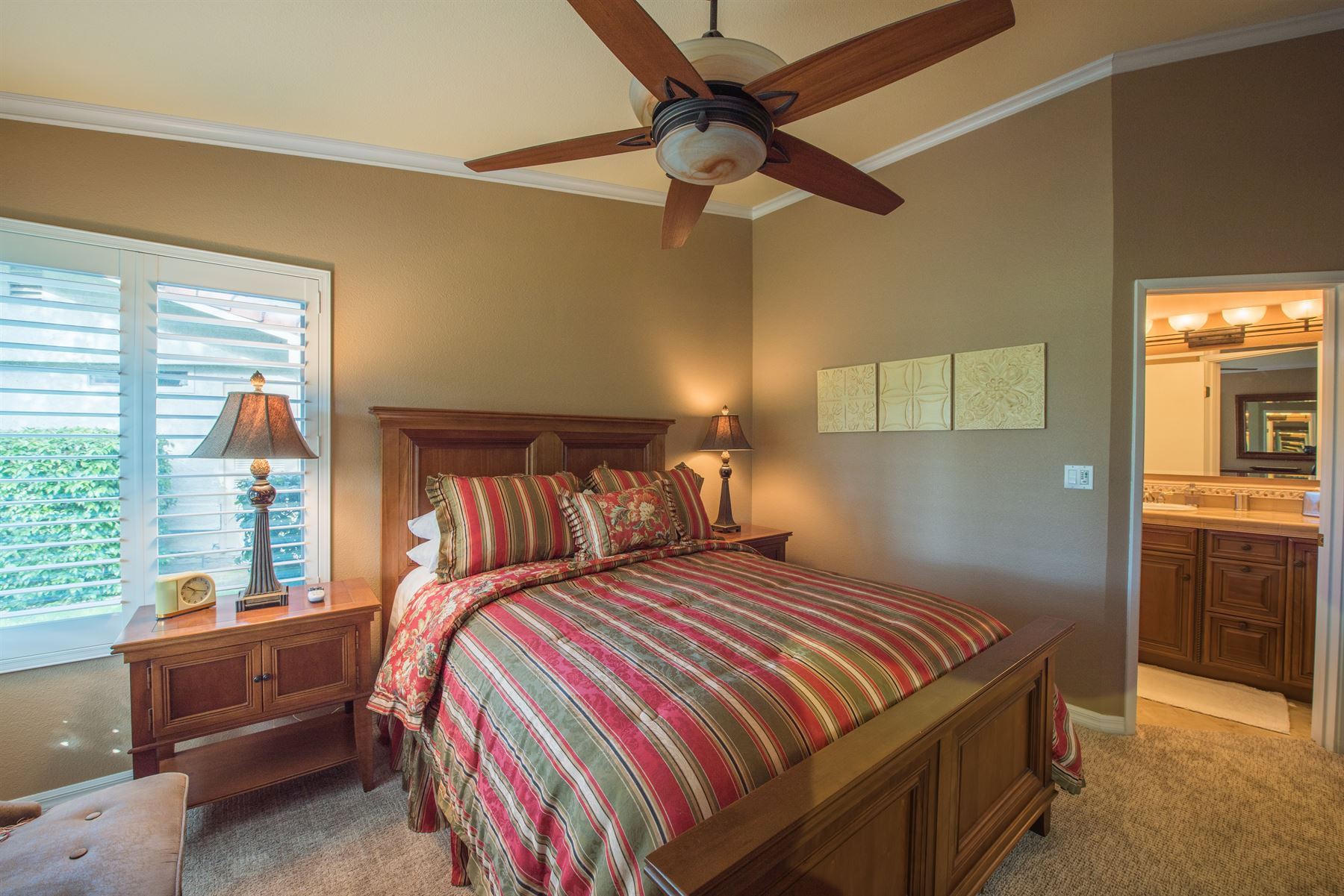 Golfer's Getaway - Interior - Bedroom with autumn colored linens