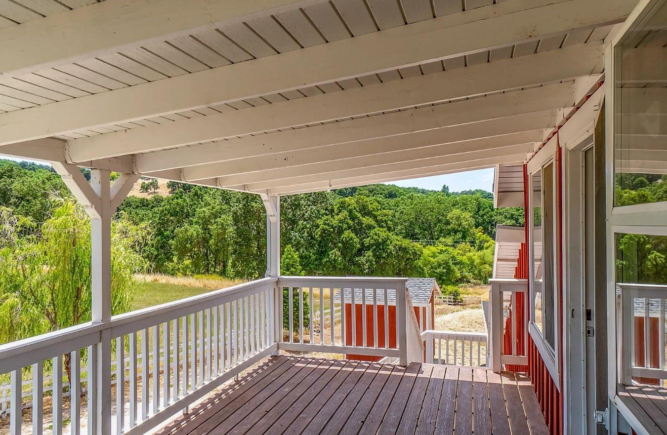 Red Barn Loft - Exterior - Porch