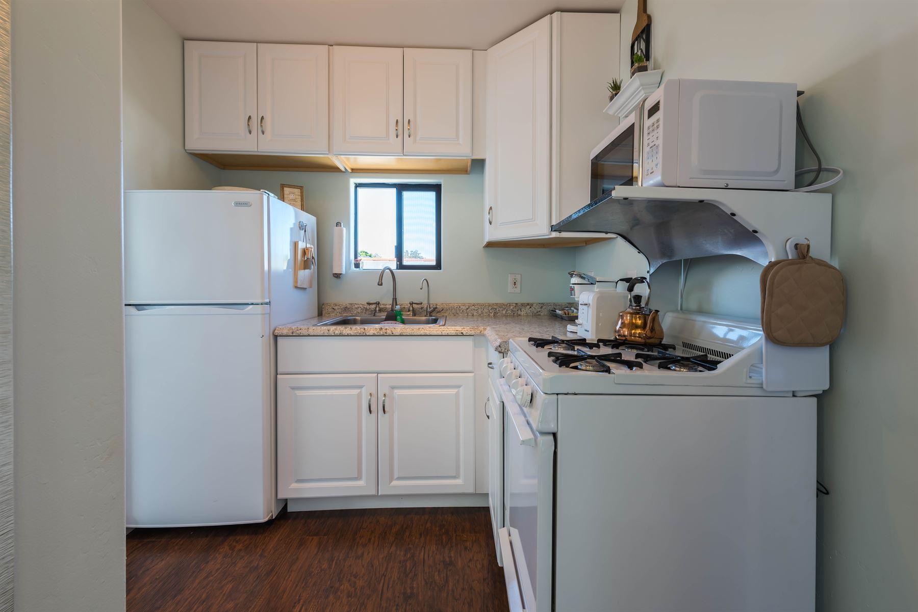 Wine County Casita - Interior - Kitchen