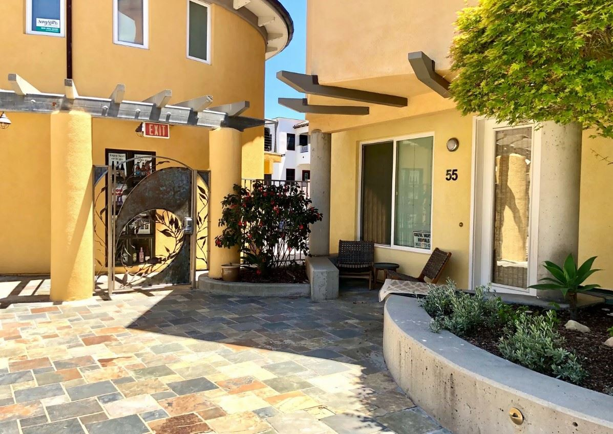 Avila Beach Retreat - Exterior - Courtyard
