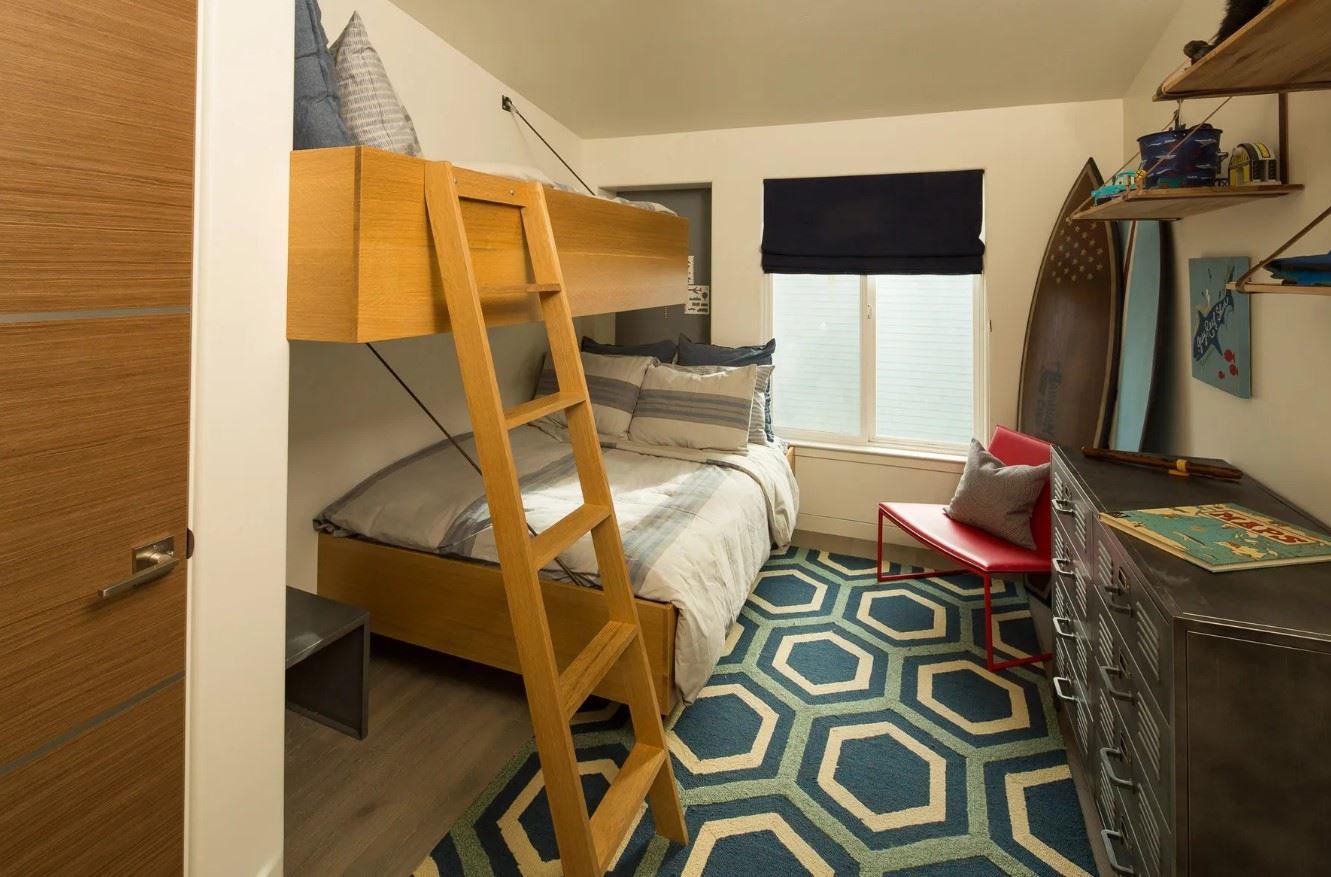 Avila Beach Retreat - Interior - Bedroom with bunk beds
