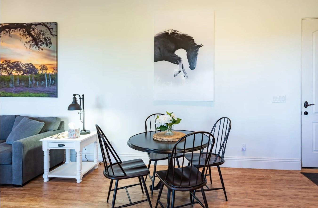Frontier Hideaway - View of little dining area with dinette set