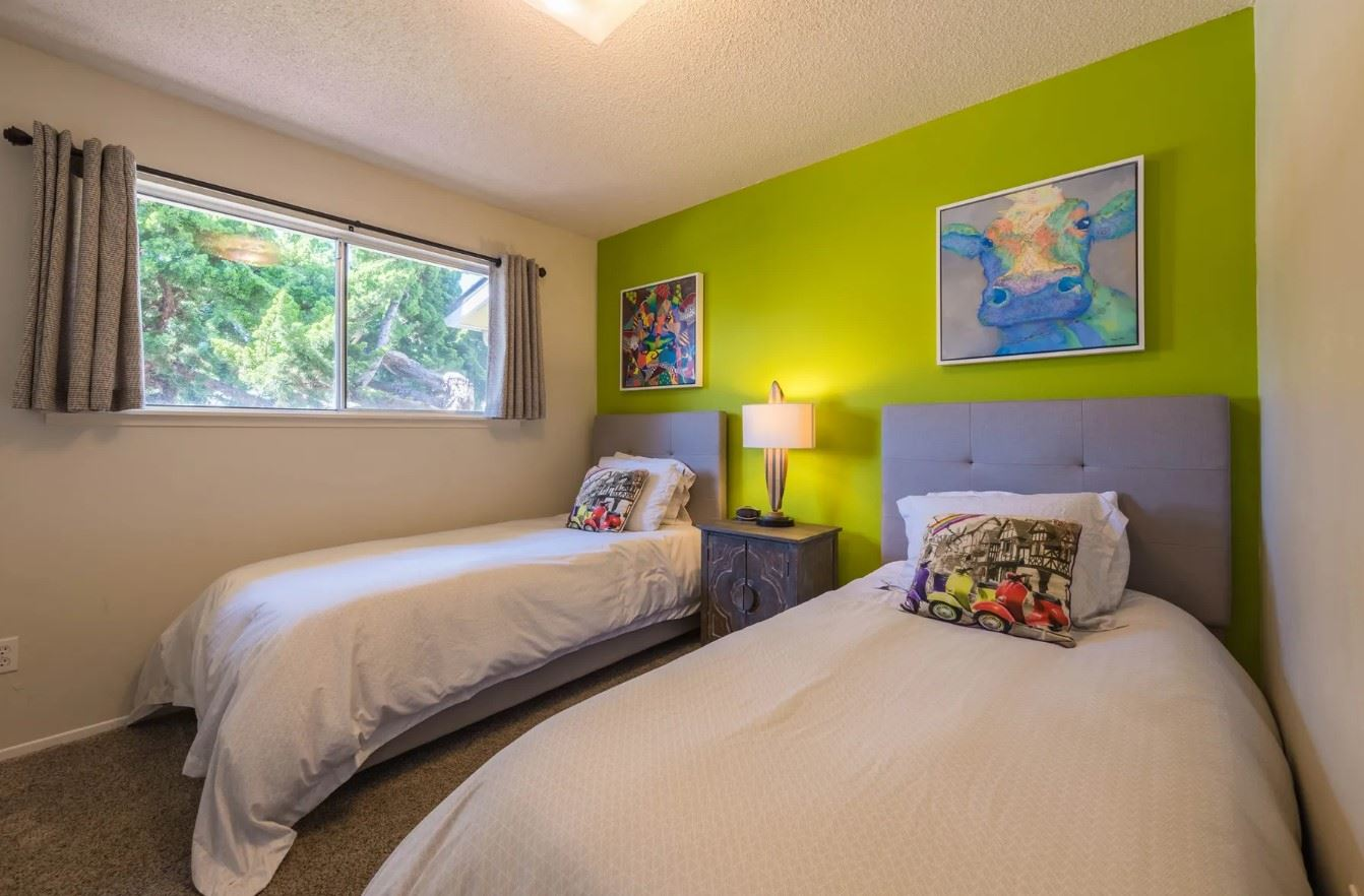Morro Bay Rock Revival - Interior - Bedroom with two twin beds